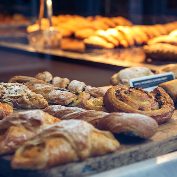 BAKERY AND PASTRY SHOPS